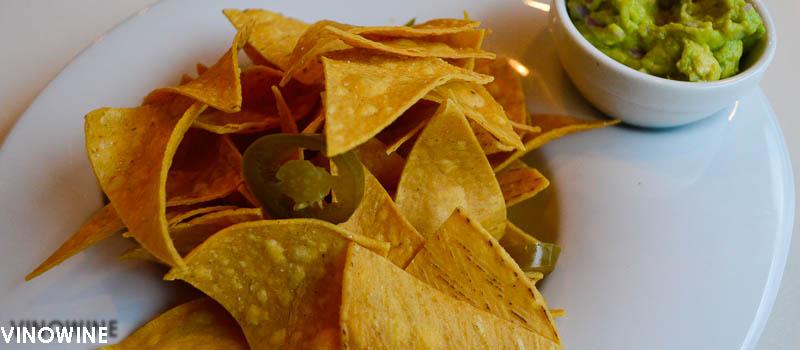 Nachos con guacamole del Rodamón de Russafa