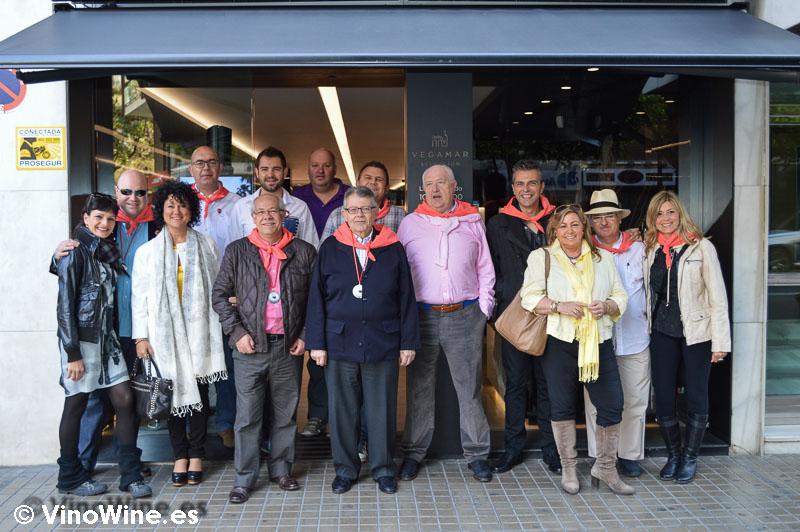 En la tienda de Bodegas Vegamar con los Restauranteros