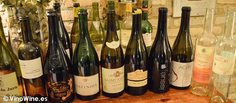 Selección de vinos en Ca Pepico de Valencia