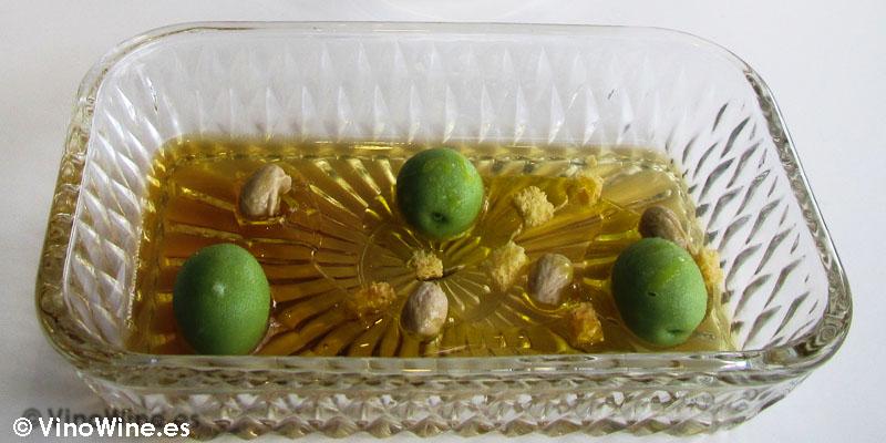 Aceitunas y sus huesos de Quique Dacosta en Denia