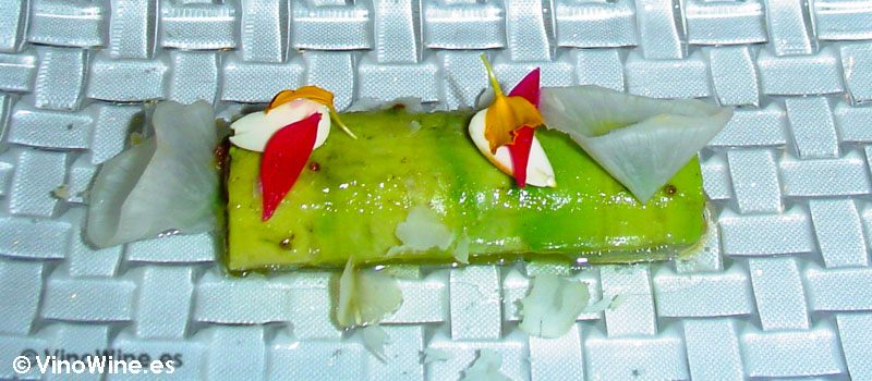 Canelón de aguacate y tartar de bonito de La Salita