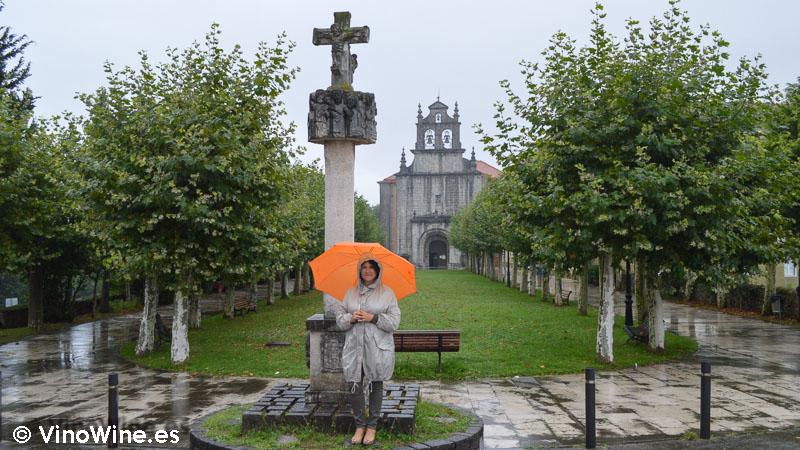 Lluvia suave ante el Santuario de la Virgen la Bien Aparecida Cantabria