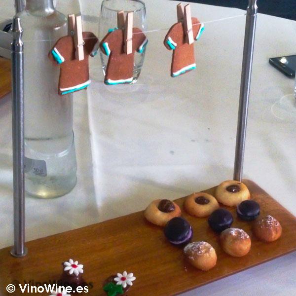 Tenderete de Petit Fours para los cafes de La Salita