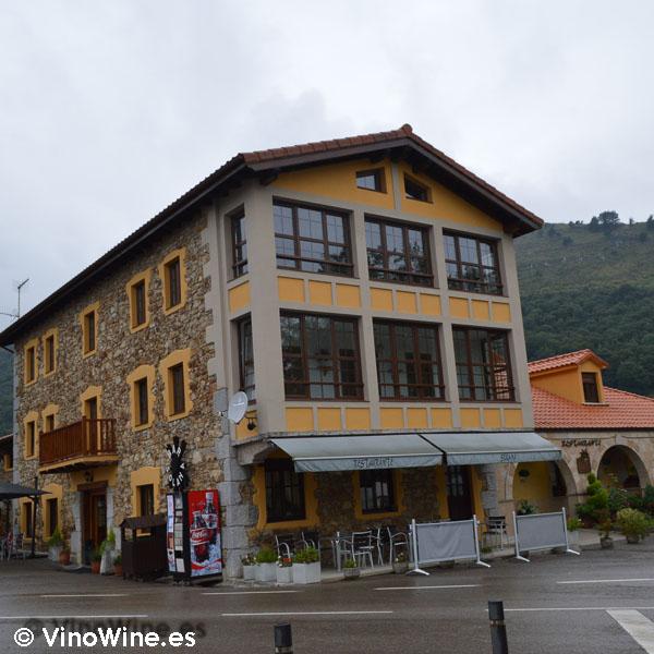 Tercera generación de restauradores Solana en Ampuero (Cantabria)