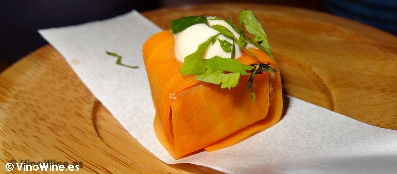 Envolini de higado de rape y zanahoria en salmuera de Restaurante Bon Amb