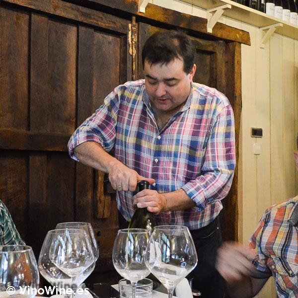 Jon Ander, Fonso, Jose Sergio y Juanjo los difrutones con el protagonista de las Piscinas en Villacarriedo Cantabria
