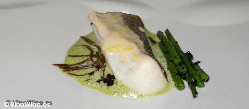 Merluza al vapor lemon grass e hinojo marino de Restaurante Bon Amb