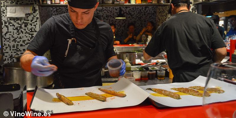 5 cocineros a destajo en la barra de StreetXO