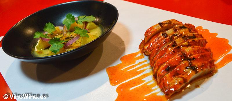 Pollo a la brasa marinado en chiles y Ensalada andaluza de StreetXO