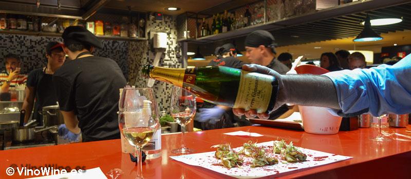 Puedes llevarte vinos de la tienda del CI a la barra de StreetXO