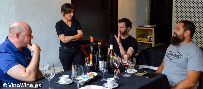 Sobremesa con Jose, Menchu, Gustavo y Sergio (yo tras la camara) en Restaurante Nueva Torruca de Cantabria