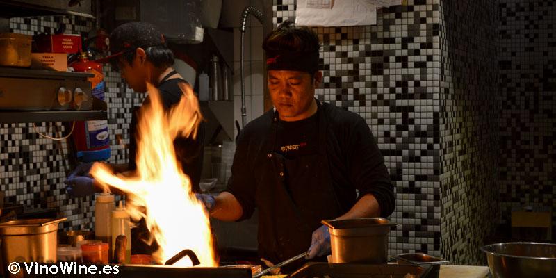 Trabajando con el wok en StreetXO