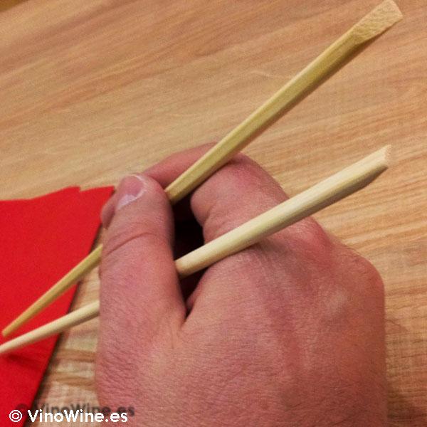 A comer con palillos en el Momiji en Martin & Mary Sushi Bar en Valencia