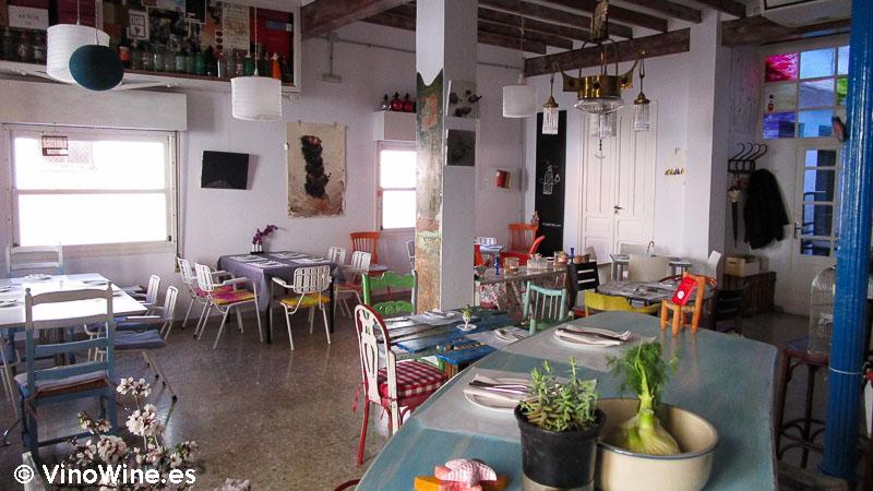Decoración ecléctica del Baret de Miquel Ruiz en Denia