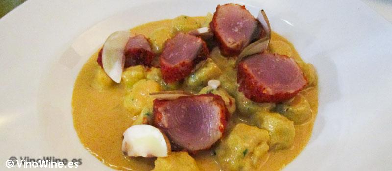 gnoquis de patata con tataki de bonito del Baret de Miquel Ruiz en Denia del Baret de Miquel Ruiz en Denia