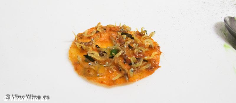 Tortilla de camarones y jengibre de Diverxo en Madrid