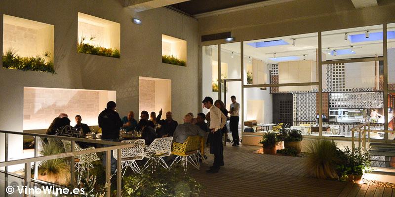 Con los Restauranteros en la terraza de Disfrutar en Barcelona