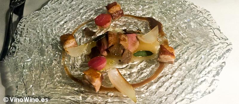 Cordero con rabanitos y cebollas tiernas de La Serena en Altea