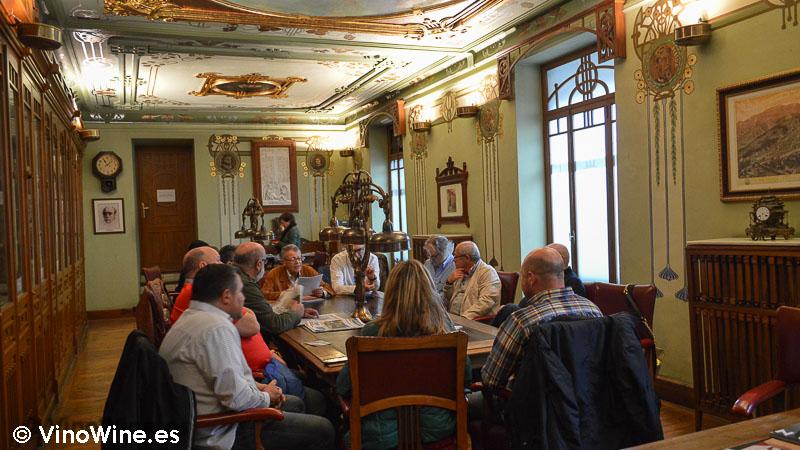 Encuentro Restauranteros en Alcoy junta de la Peña en la biblioteca