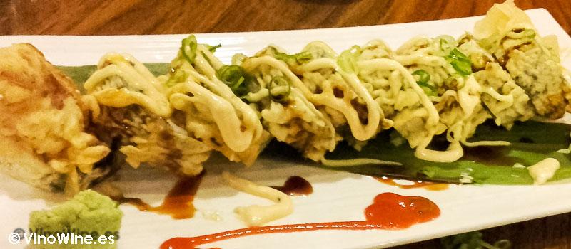 Jon dragon roll del Restaurante de comida japonesa Kitsume en Altea