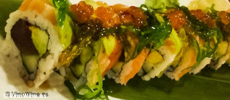 Sunkissed roll del Restaurante de comida japonesa Kitsume en Altea