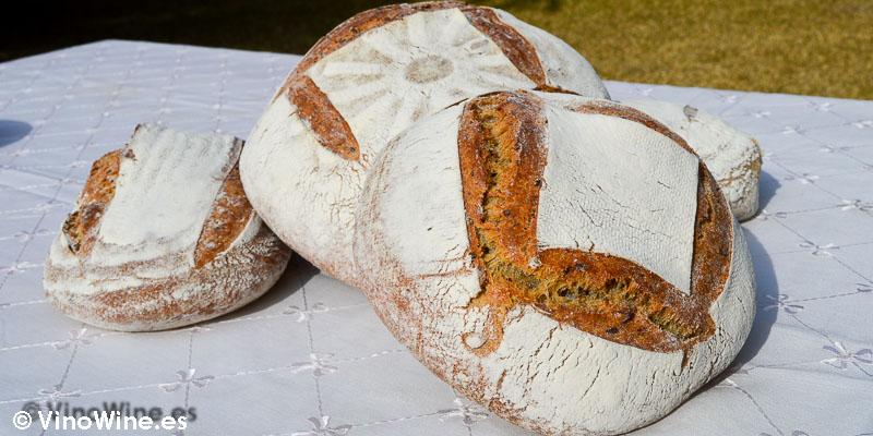 El pan de Jordi en de los amigos botjos pel vi