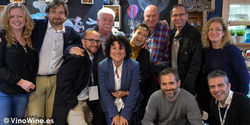 Algunos de los 22 comensales en Restaurante Julio Verne en Valencia