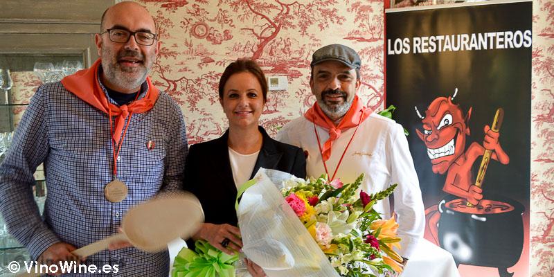 Aurelio GM junto con Jesús Sánchez y Marián del Restaurante Cenador de Amós en Cantabria