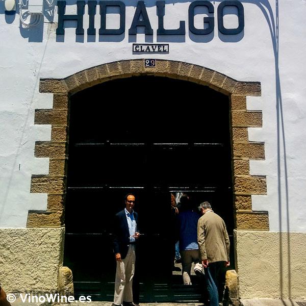 Puerta de entrada a la Bodega Emilio Hidalgo de Jerez
