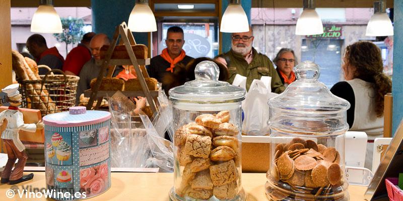Restauranteros arrasando con el hojaldre de Torrelavega en Cantabria