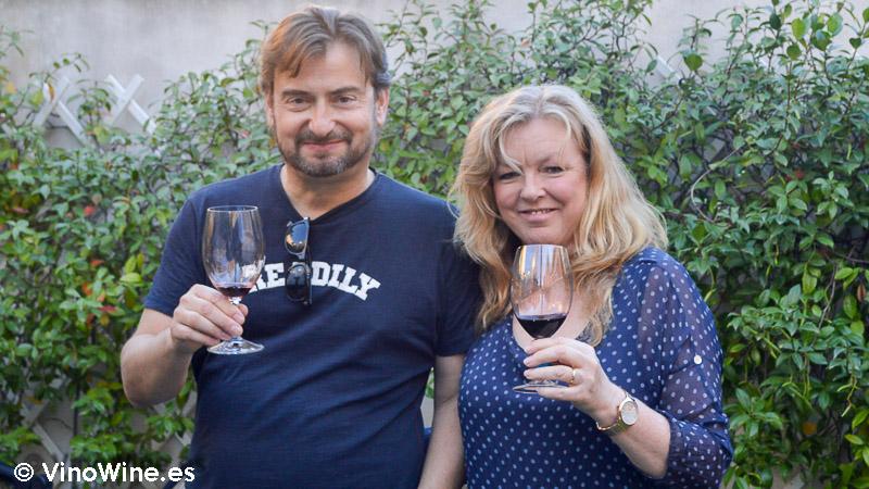 José Enrique y Cath, patrocinadores de la Cata Vertical de Mauro