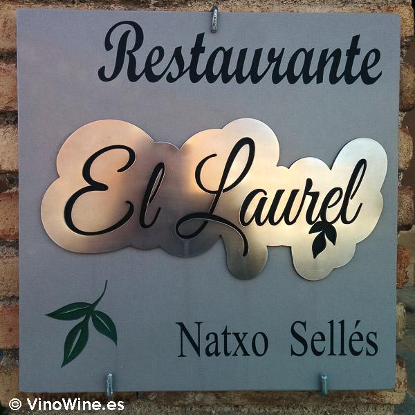 Placa de entrada al Restaurante El Laurel de Cocentaina