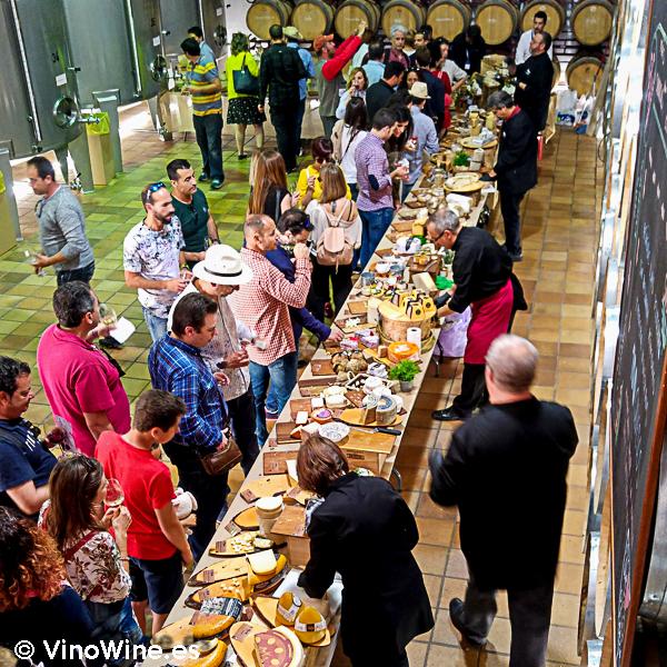 Impresionante buffet de queso artesanos seleccionados por la Despensa de Andres en la I Mendozas Wine Lovers Edition by Bodegas Mendoza