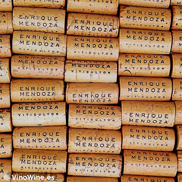 Mural confeccionado con tapones de corcho de la I Mendozas Wine Lovers Edition by Bodegas Mendoza