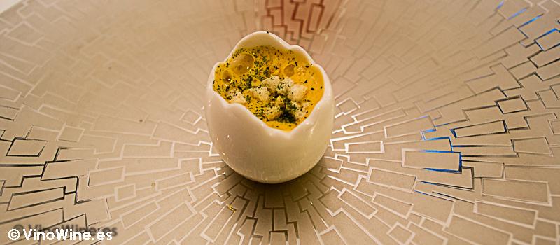 Probadilla de matanza y yema de huevo campero del Restaurante Villena de Segovia