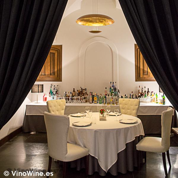 Vista parcial del comedor del Restaurante Villena de Segovia