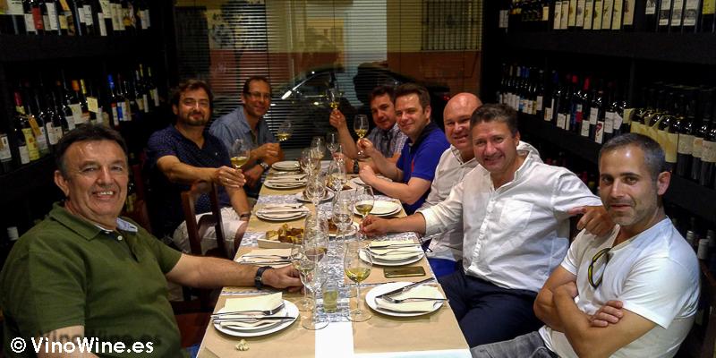 Cena en la Taberna der Guerrita de Sanlucar en el Tour Bojos Pel Vi Marco de Jerez