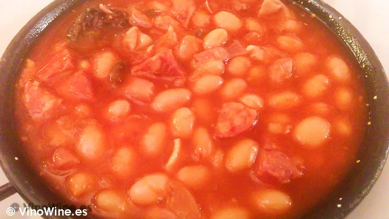 Judías con chorizo de Cantimpalos degustadas en el Restaurante El Riscal de Segovia