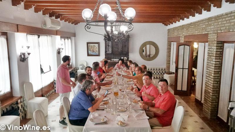 Comida de sobaquillo en el Restaurante Las Camachas en el Encuentro Verema Montilla Moriles
