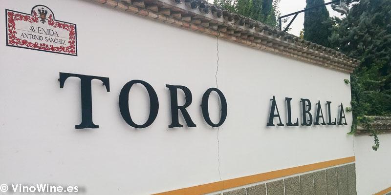 Emblema de la Bodega Toro Albala visitada en el Encuentro Verema Montilla Moriles