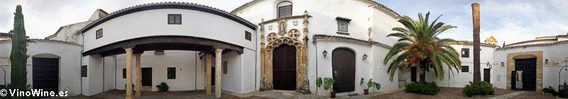 Uno de los patios de la Bodega Perez Barquero visitada en el Encuentro Verema Montilla Moriles