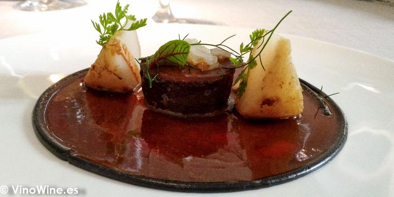 Liebre guisada a la royal con sepia y colinabo del Restaurante La Bien Aparecida de Madrid