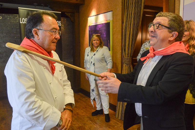 Nombramiento de Pedro Moran de Casa Gerardo en Asturias como Restaurantero de Honor