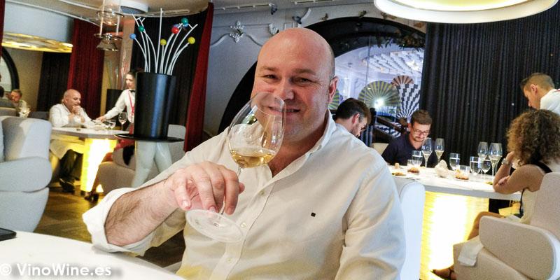 Jose Ruiz disfrutando en el Restaurante DiverXO de Madrid