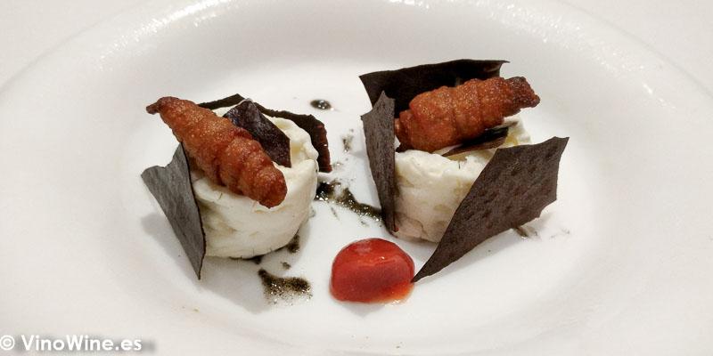 La merienda Croissant galletas blancas y sesamo negro del Restaurante DiverXO de Madrid