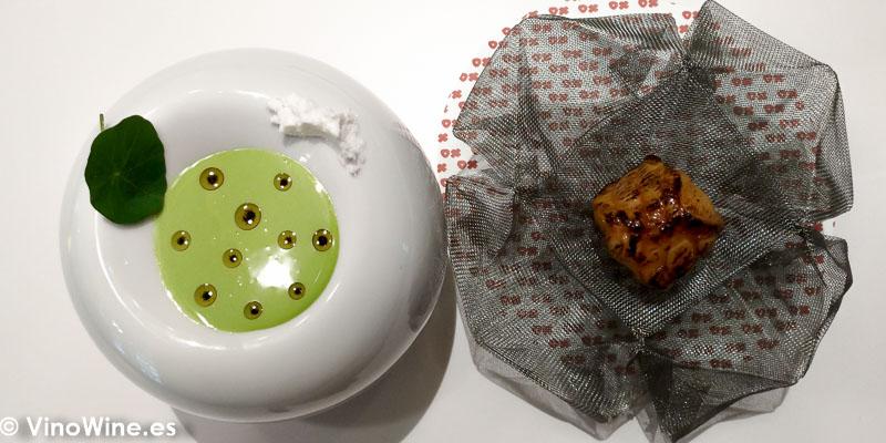 Pixin asturiano macerado en sirope de arce cocinado como lo haría un Chifa Wok en llamas con gazpacho de jalapeños aceite de vainilla y coco en el Restaurante DiverXO en Madrid
