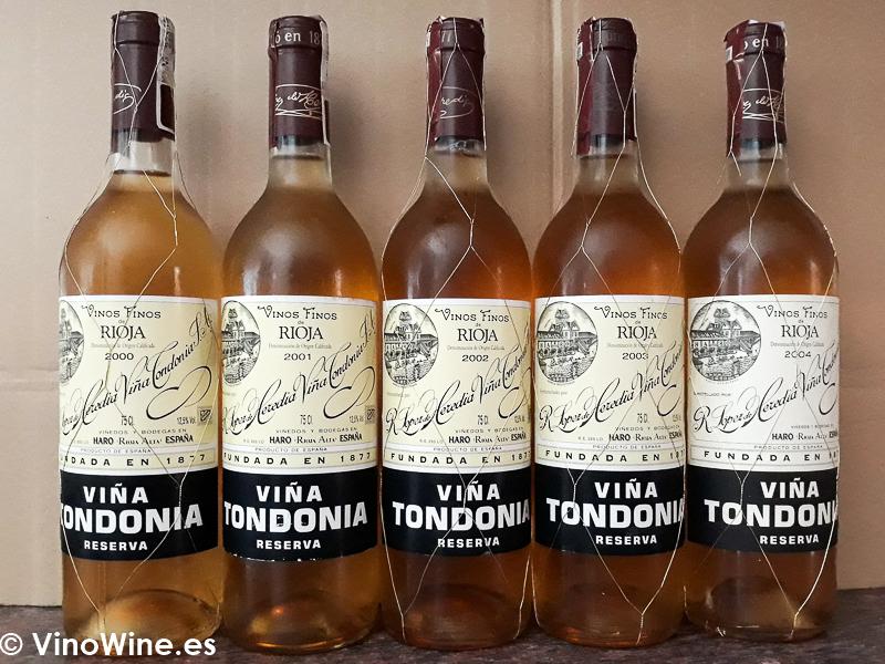 Botellas de la Cata Vertical de Viña Tondonia Blanco Reserva del 2000 al 2004