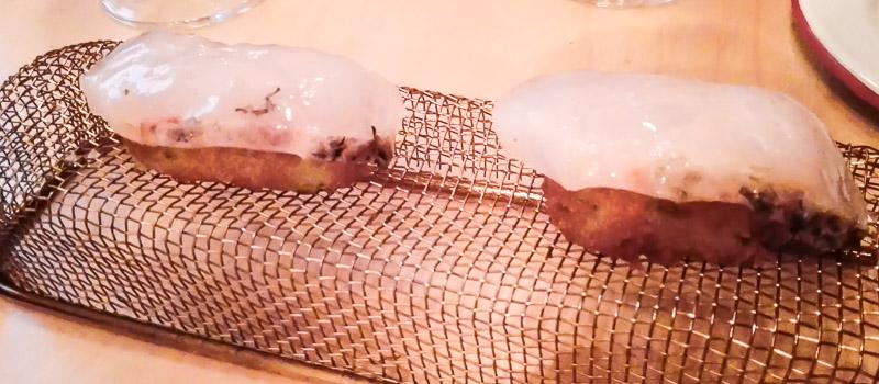 Croqueta nigiri del Restaurante Arallo Taberna de Madrid