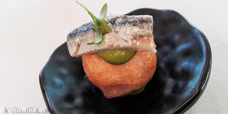 Huevo frito boqueron y mojo verde del Restaurante El Carmen de Montesión en Toledo