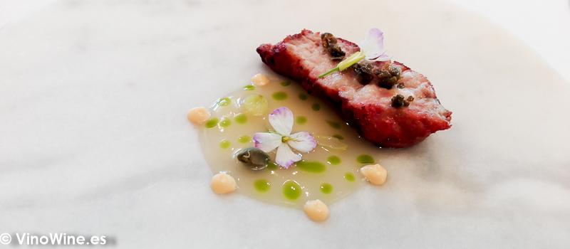 Molleja de ternera a la brasa y caldo de anchoas del Restaurante El Carmen de Montesión en Toledo